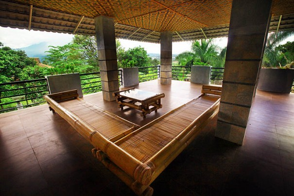 ruang atas rumah utama kampoeng bamboe