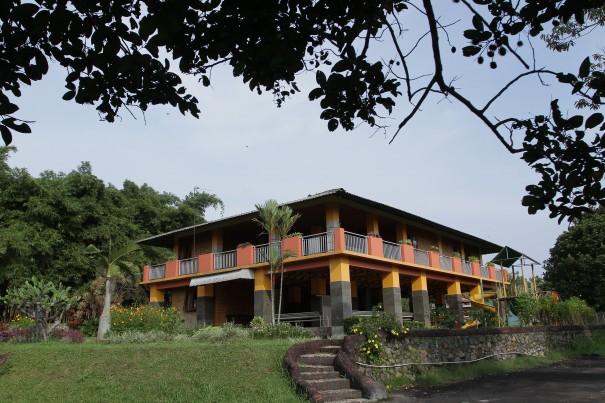 rumah utama 2
